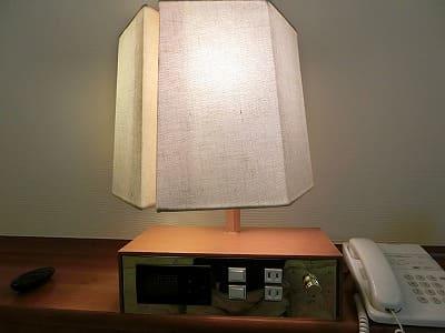 枕元にある灯り