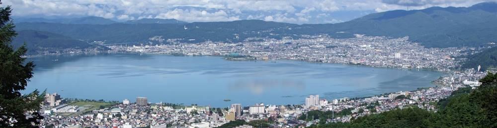 諏訪湖の全景