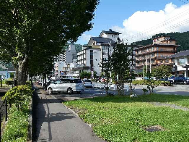 ホテル街前の駐車場