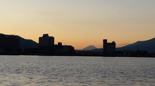 諏訪湖遊覧船からの展望