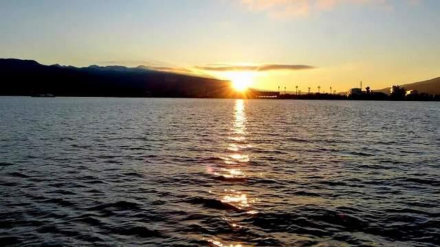 諏訪湖遊覧船から2020初日の出
