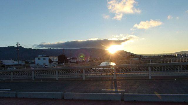 諏訪湖畔からの日の出